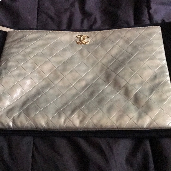 CHANEL Handbags - Chanel dusted champagne leather quilted clutch
